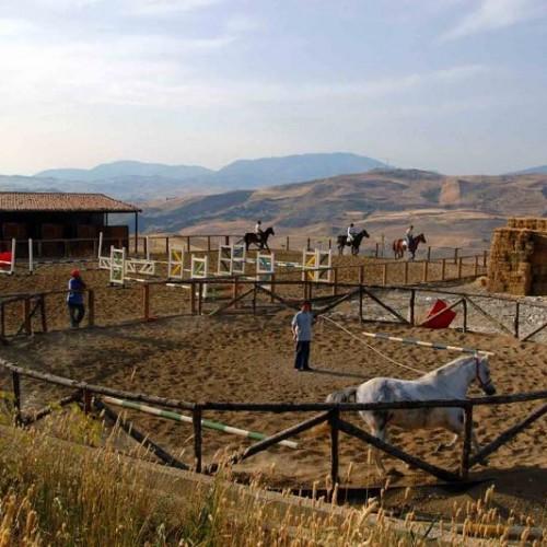 agriturismo sicilia maneggio cavalli madonie