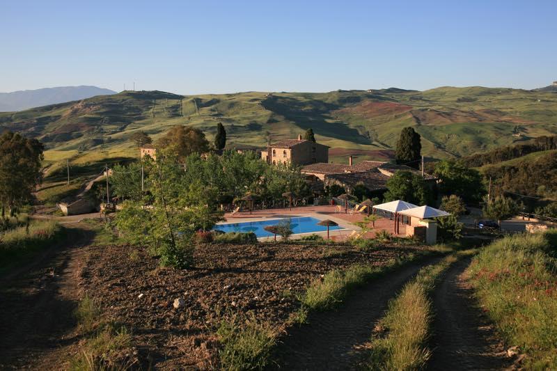 agriturismo sicilia piscina maneggio